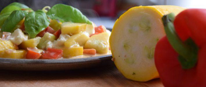 Schnelle Gemüsepfanne mit Zucchini (Low Carb, vegetarisch)